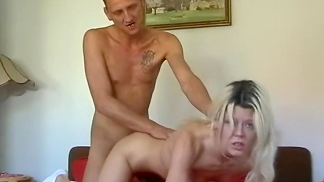 Bleached chick fuck in inverse cowgirl pose
